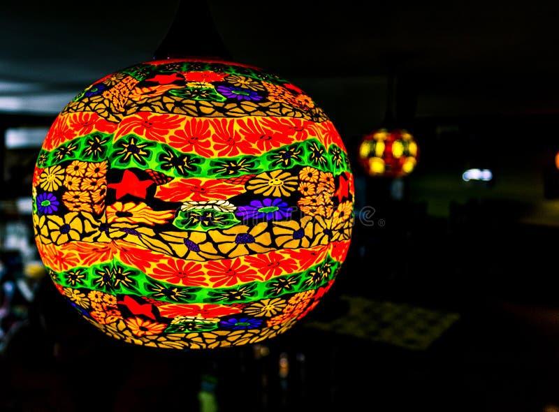 Aziatische Document Lantaarn en Lichten in een winkel royalty-vrije stock fotografie