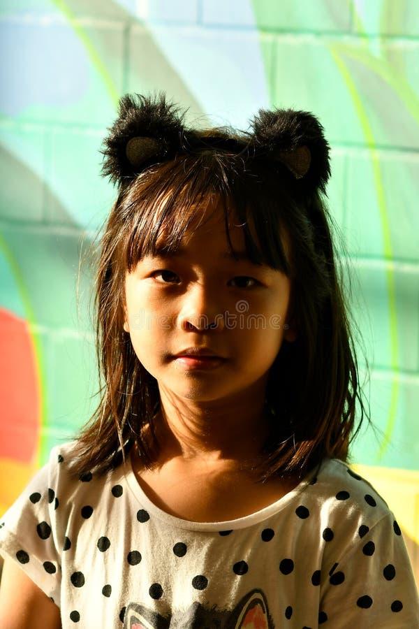 Aziatische gele tienermanier stock afbeelding