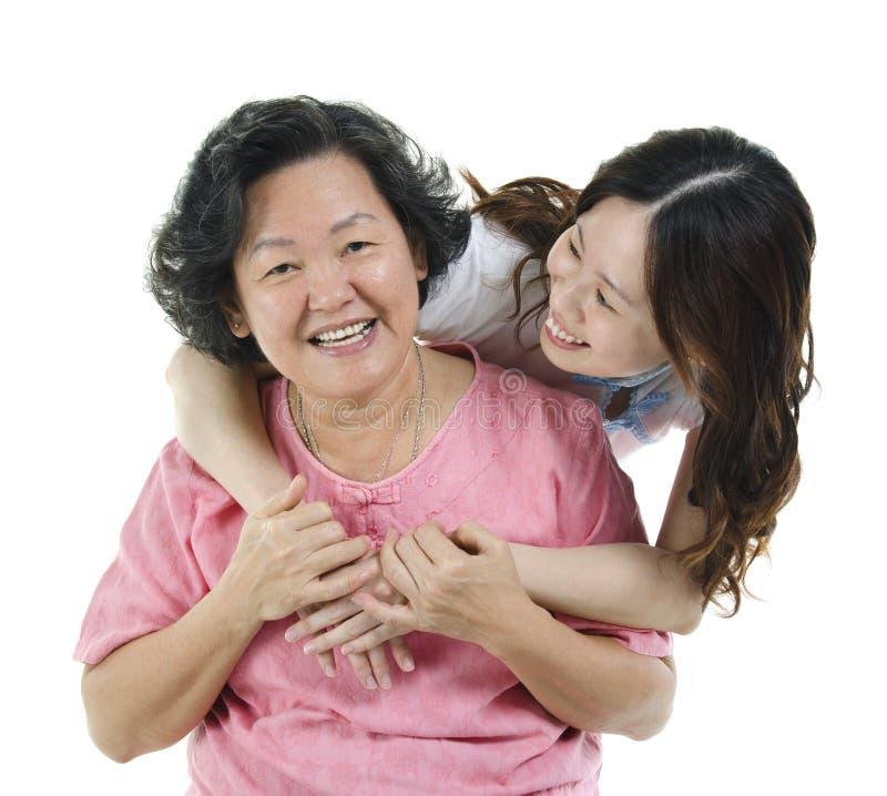 Aziatische hogere moeder en volwassen dochter royalty-vrije stock foto