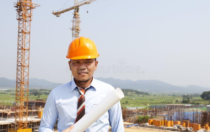 Aziatische Mensenarchitect Op Plaatsplaats Stock Afbeelding