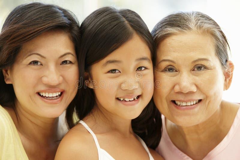 Aziatische moeder, dochter en grootmoeder royalty-vrije stock foto's