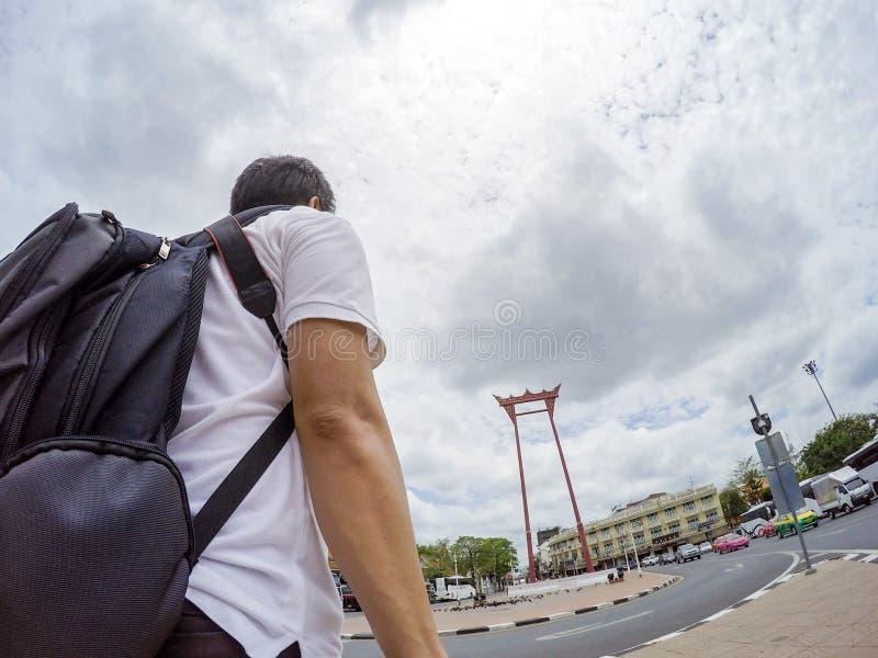 Aziatische reiziger selfies met Reuzeschommeling, Bangkok, Thailand stock foto