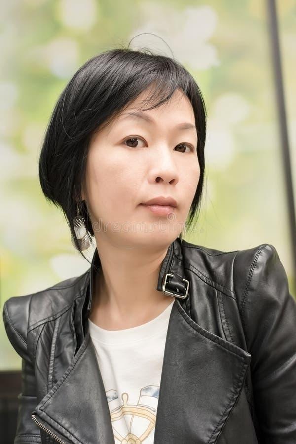 Aziatische rijpe vrouw royalty-vrije stock foto