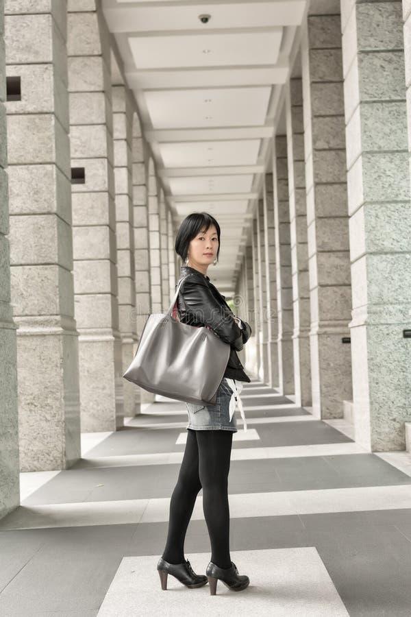 Aziatische rijpe vrouw royalty-vrije stock afbeeldingen