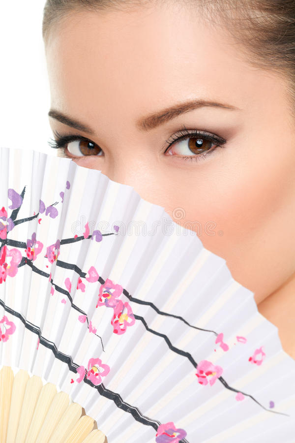Aziatische schoonheid - verleidelijke ogenvrouw stock afbeelding