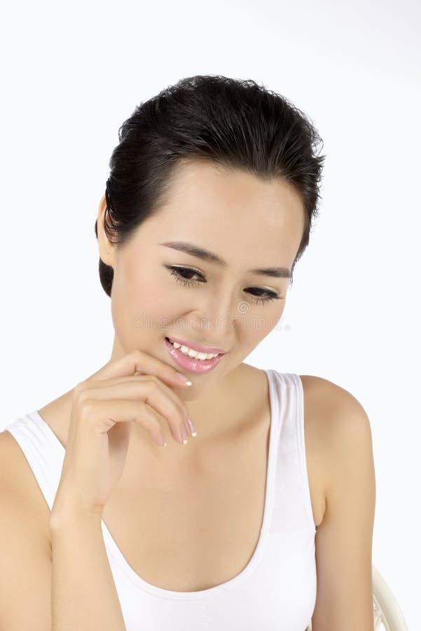 Aziatische slanke schoonheid met goede huid stock foto's