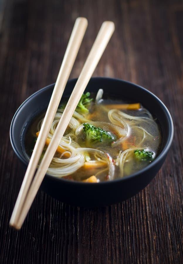 Aziatische soep stock foto's