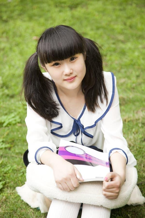 Aziatische student in de lezing van de Campus stock fotografie