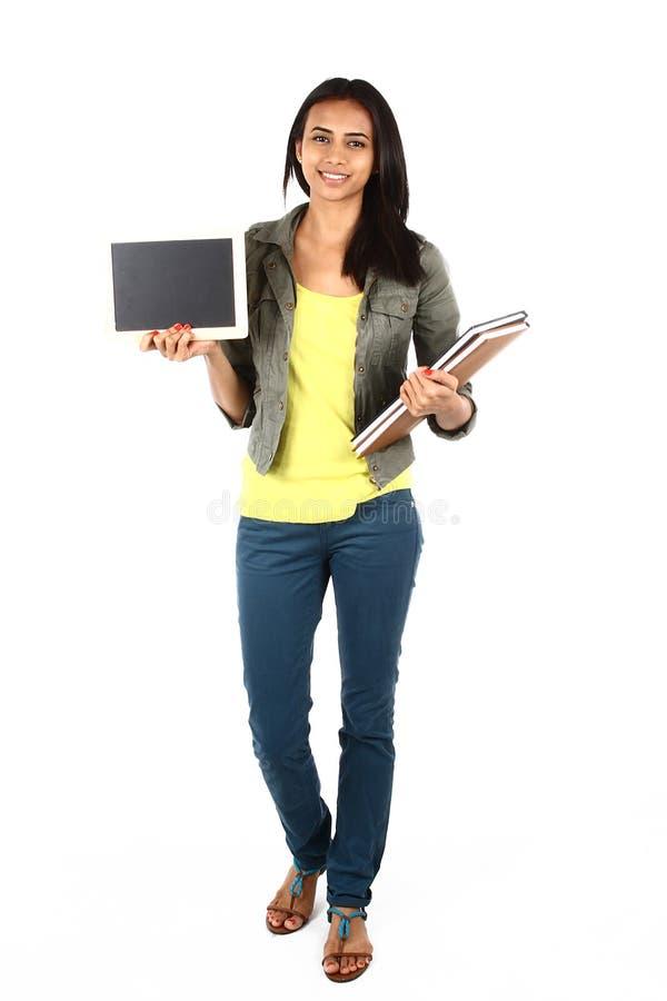 Aziatische student met een tekenraad stock afbeelding