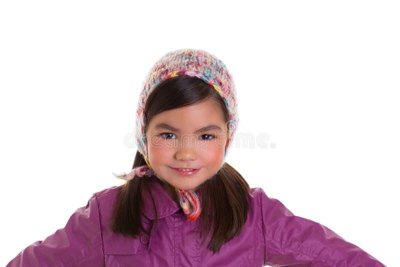 Aziatische van de het meisjeswinter van het kindjonge geitje het portret purpere laag en wol GLB stock foto