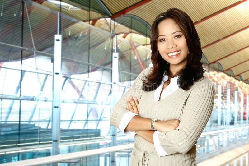 Aziatische vrouw in de moderne bouw stock afbeeldingen