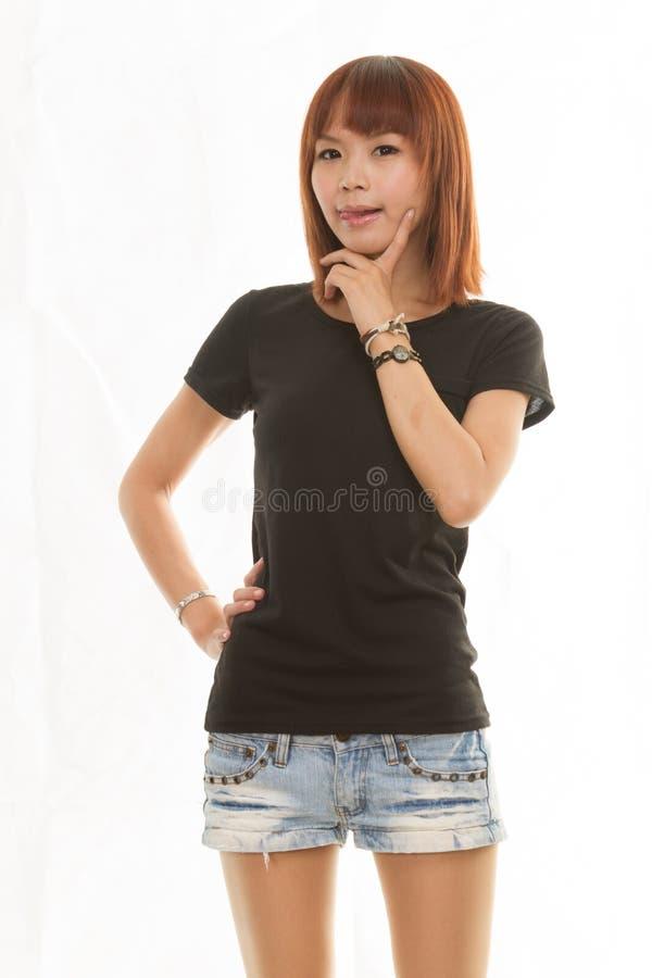 Aziatische vrouw op geïsoleerde witte achtergrond royalty-vrije stock afbeeldingen