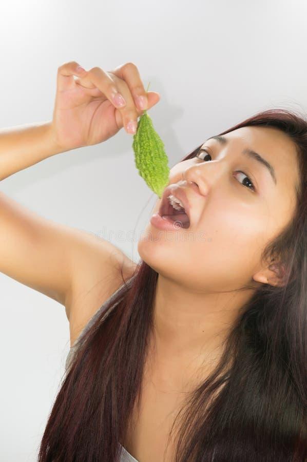 Aziatische vrouwen en groenten royalty-vrije stock foto