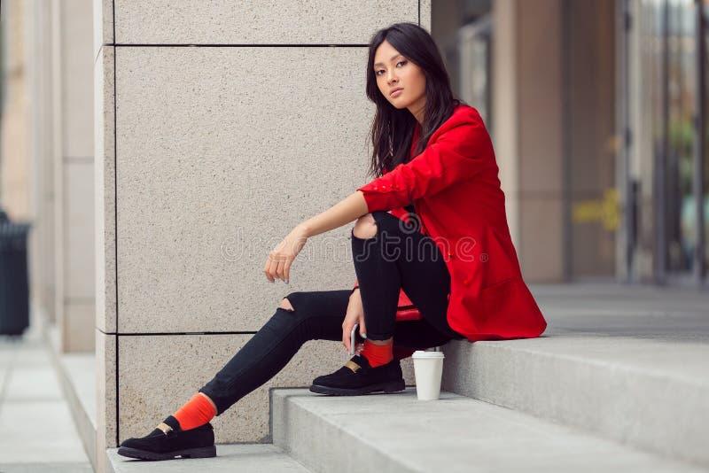 Aziatische vrouwenjonge werknemer stock afbeelding