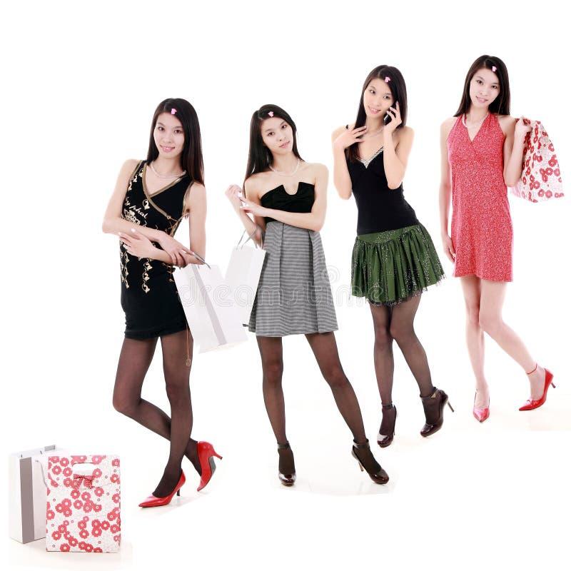 Aziatische winkelende meisjes stock fotografie