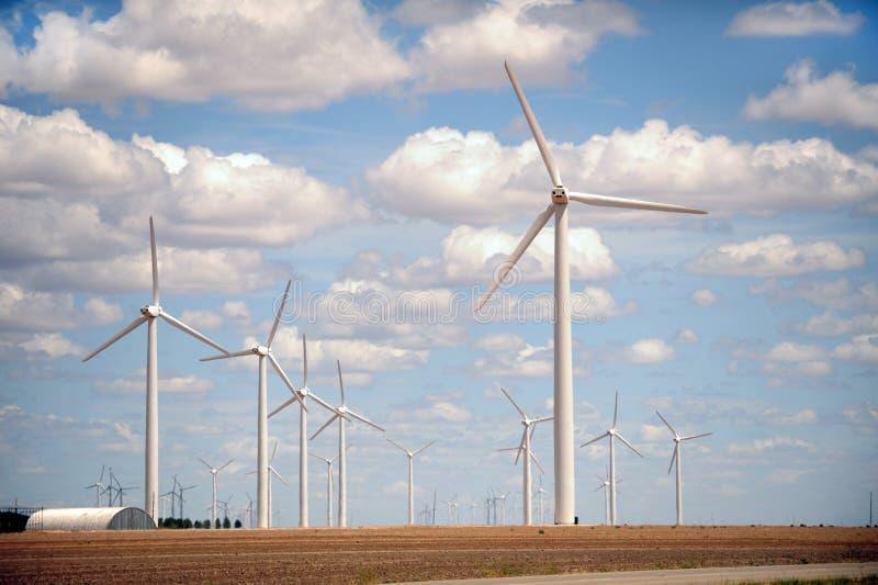 Azienda agricola di vento in campagna fotografia stock libera da diritti
