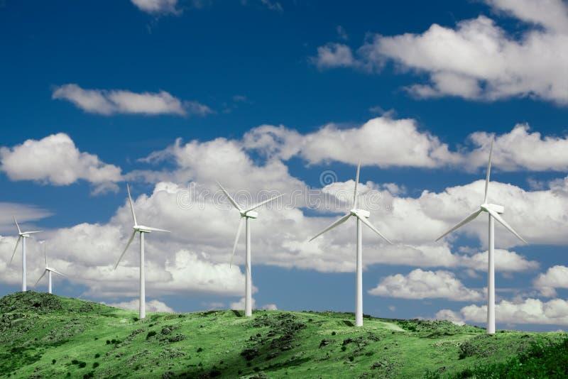 Azienda agricola di vento della montagna 2 immagine stock