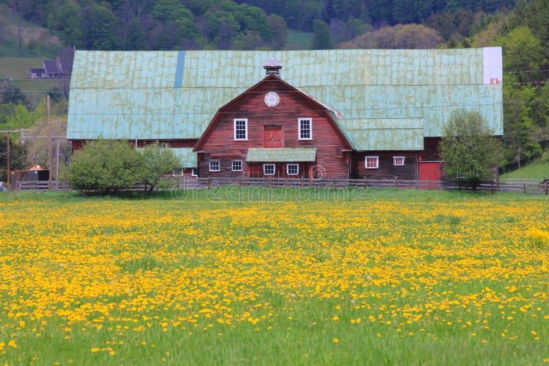 Azienda agricola tipica della Nuova Inghilterra immagini stock libere da diritti