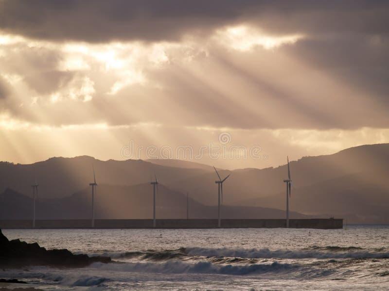 Aziende agricole di vento a Azkorri fotografia stock libera da diritti