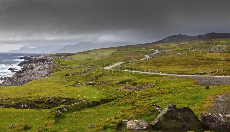 Azionamento atlantico dell'isola di Achill fotografie stock