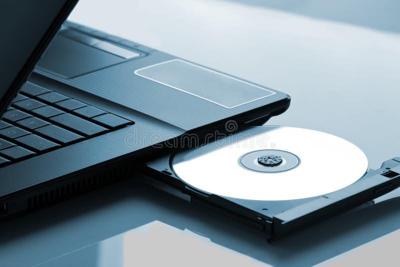 Azionamento ottico del computer portatile fotografia stock libera da diritti