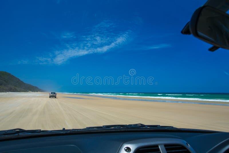 Azionamento a quattro ruote al punto doppio dell'isola, Queensland fotografie stock libere da diritti