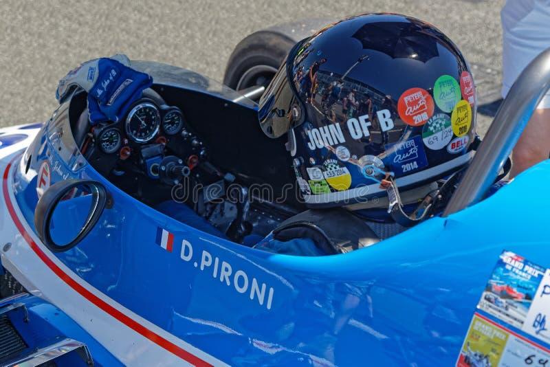 Azionamento sull'iniziare griglia di Grand Prix storico francese fotografia stock