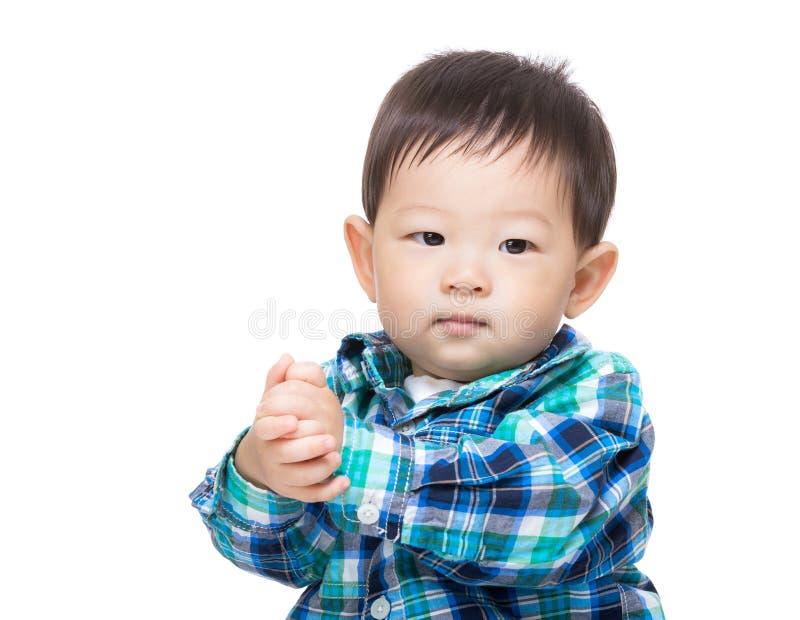 Azja chłopiec klascze rękę fotografia royalty free