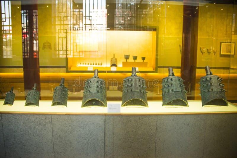 Azja chińczyk, Pekin, Dazhongsi Museumï ¼ ŒIndoor exhibitionï ¼ Œancient chime Antyczny Dzwonkowy dzwon zdjęcie royalty free