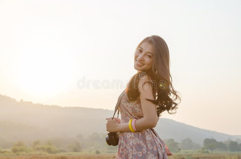 Azja potomstw podróży kobiet uśmiech zdjęcia royalty free