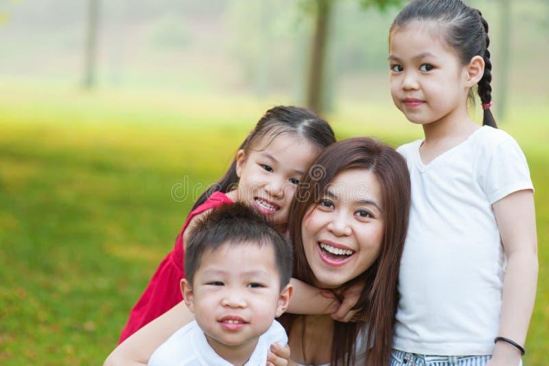 Azjata dzieci matka i obrazy stock