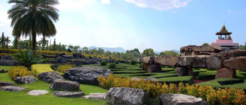 Download Azjata Tradycyjny Krajobrazowy Panoramiczny Obraz Stock - Obraz złożonej z trawy, buddhism: 13331211