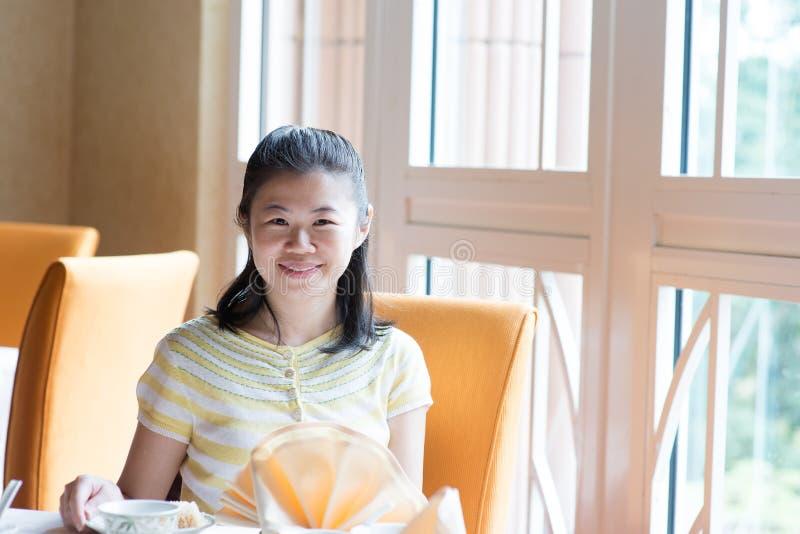 Azjatycka chińczyka 30s kobieta obraz royalty free