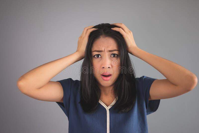 Azjatycka kobieta problemy obrazy stock