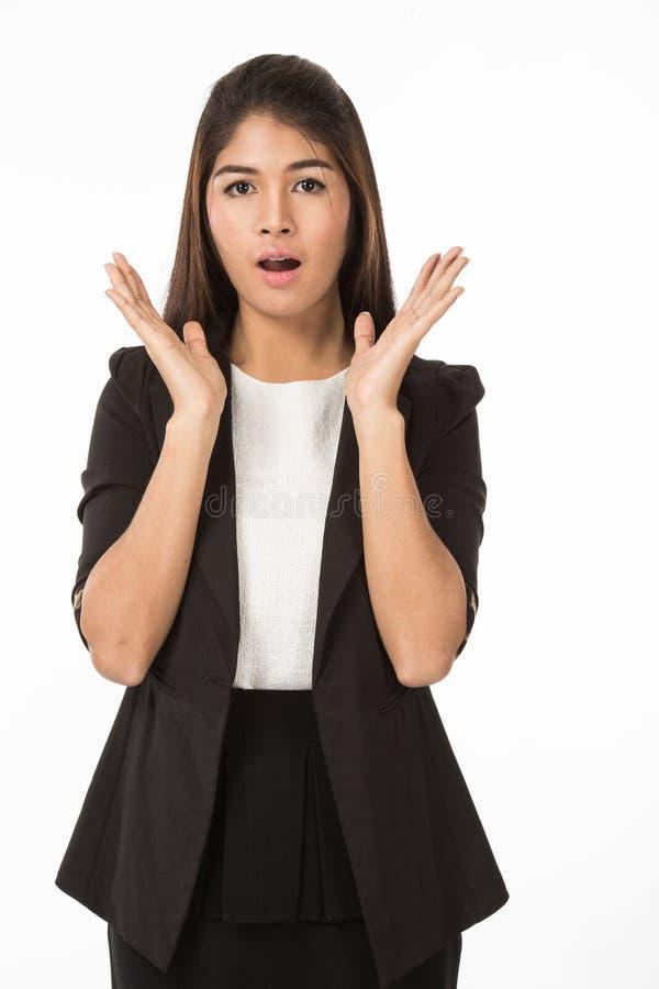 Azjatycka kobieta w biznesowej formAsian kobiecie w biznesowej formalnej czarnej kostiumu działania niespodziance obraz stock