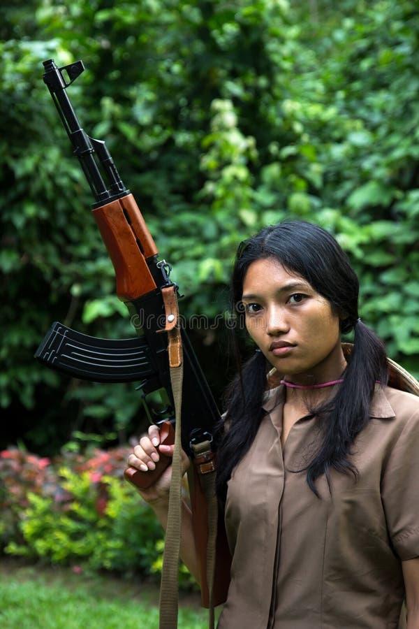 Azjatycka kobieta zbrojąca obraz royalty free