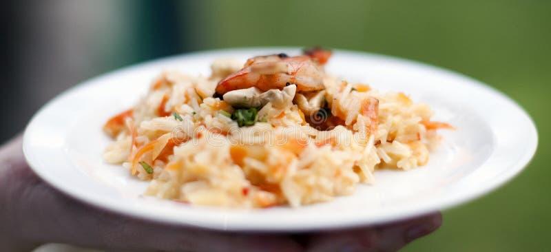 Azjatycki azjatyckich ryż risotto z piec na grillu krewetkami zdjęcie royalty free