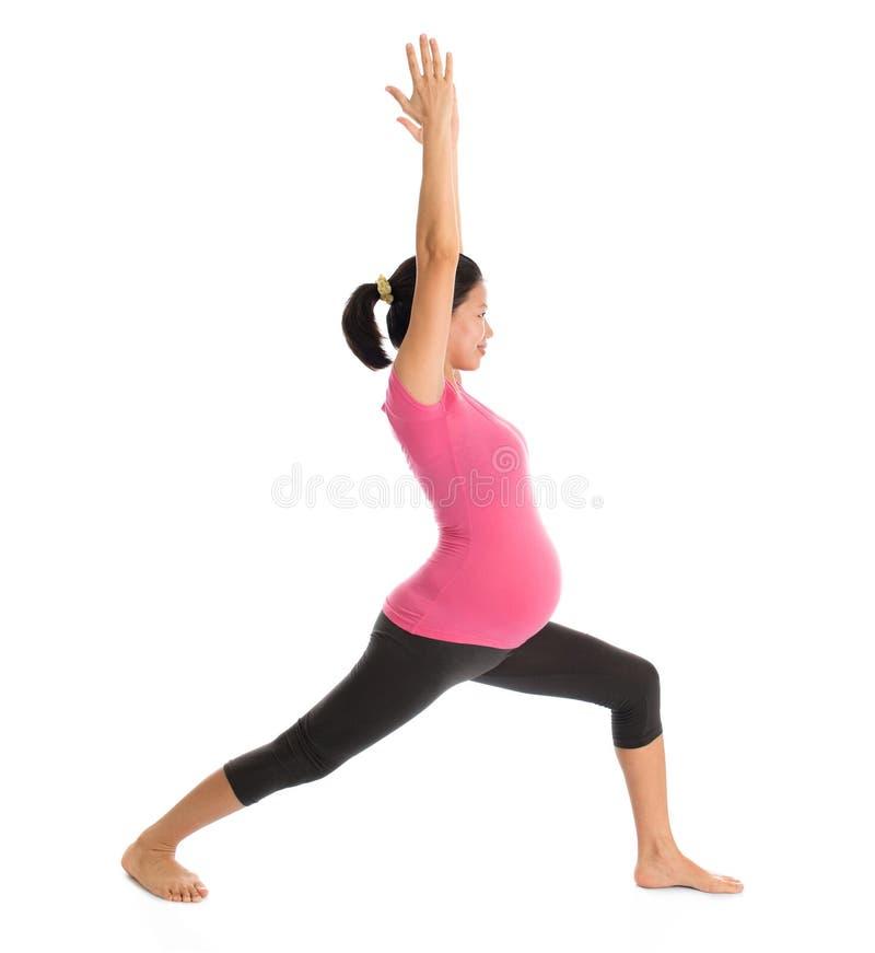 Azjatycki kobieta w ciąży medytować obraz stock