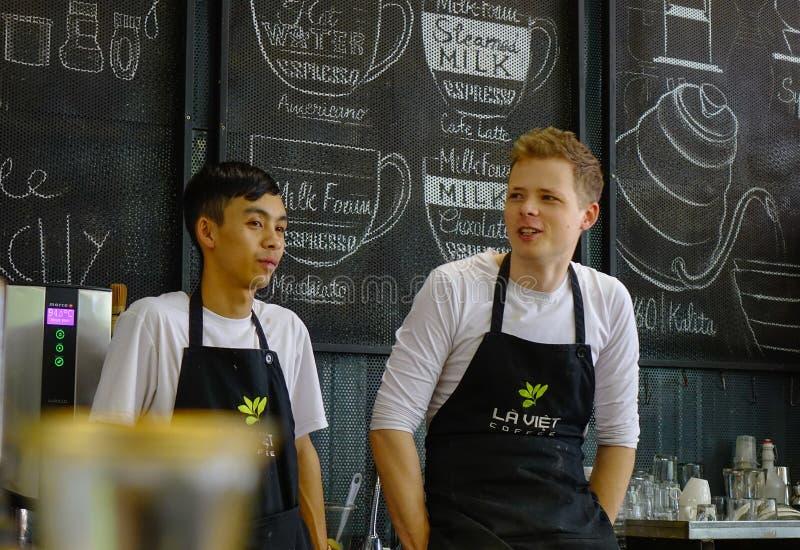 Azjatycki męski barista obraz royalty free