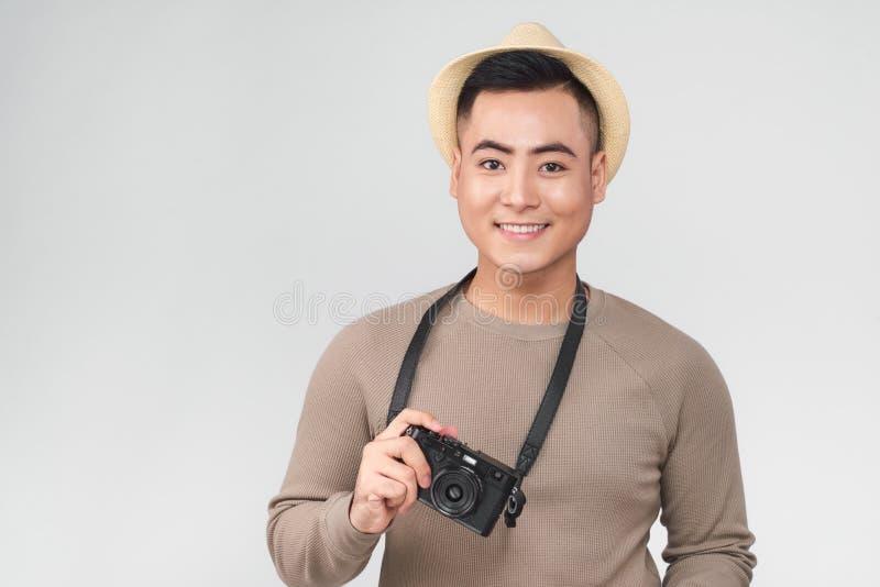 Azjatycki młody męski backpacker bierze obrazek fotografia royalty free