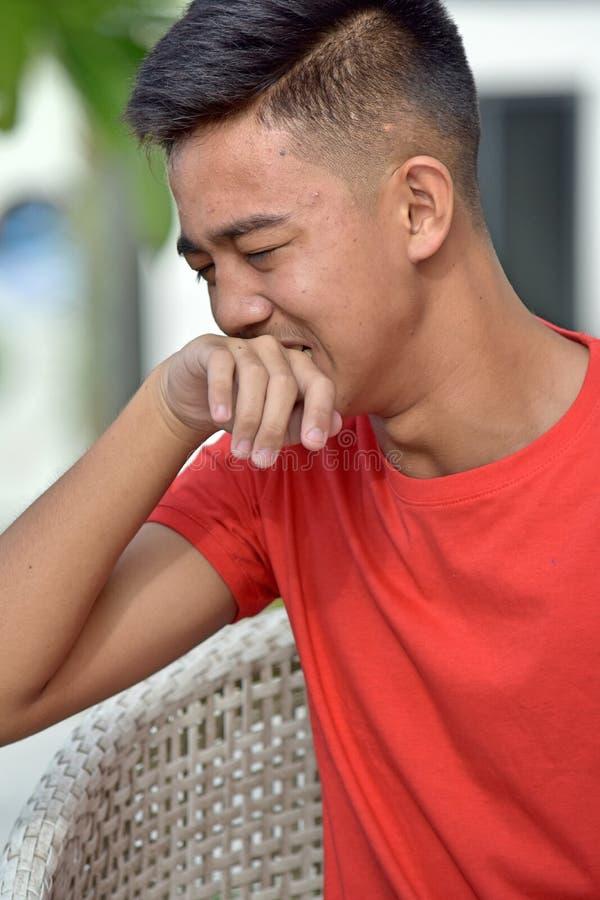 Azjatycki Nastoletni Męski płacz zdjęcie stock