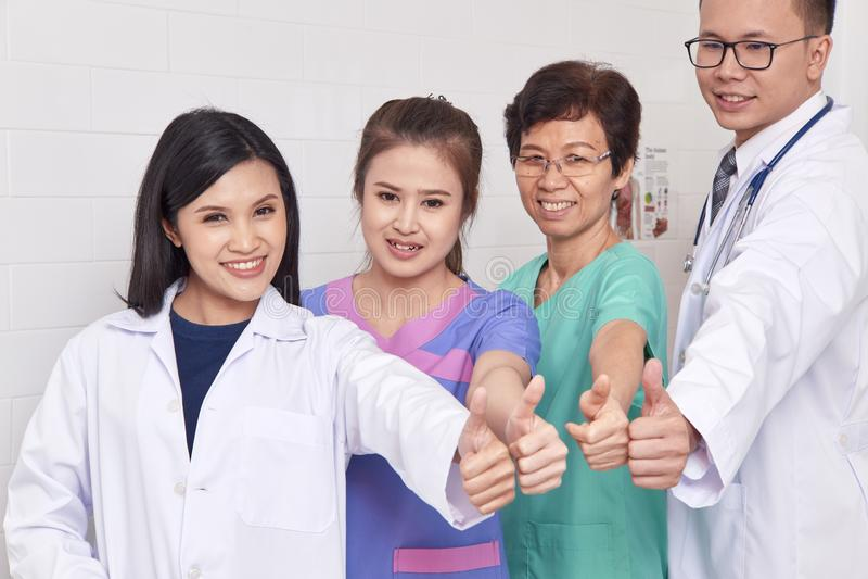 Azjatycki opieki zdrowotnej grupy profesjonalista obrazy stock