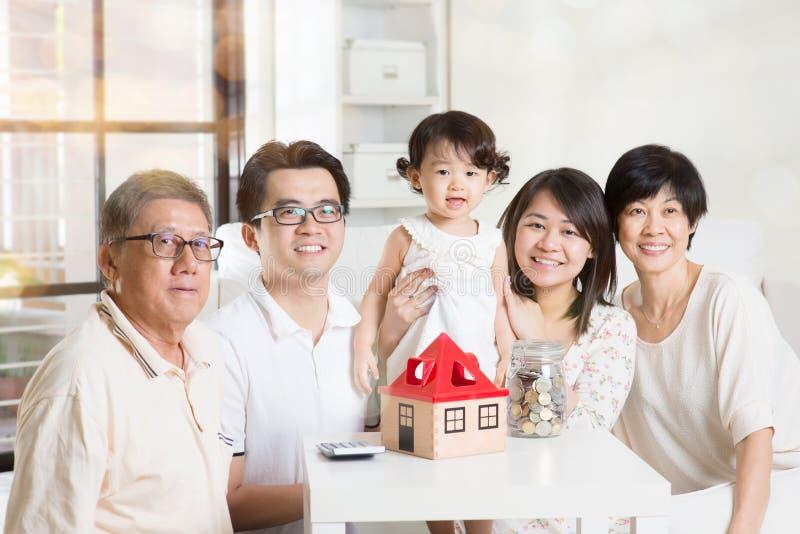 Azjatycki wielo- pokolenie styl życia zdjęcia royalty free