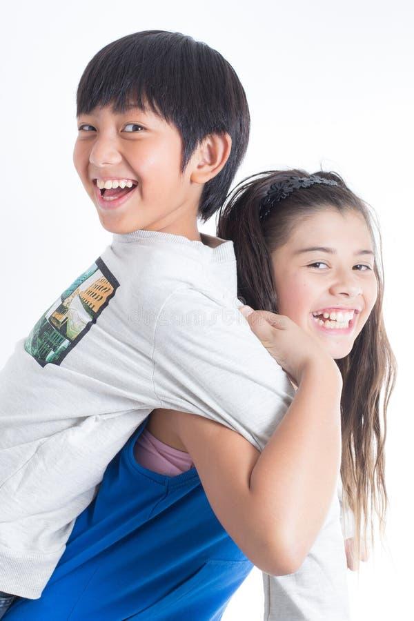 Azjatyckich ślicznych dzieciaków szczęśliwy uśmiech zdjęcie stock