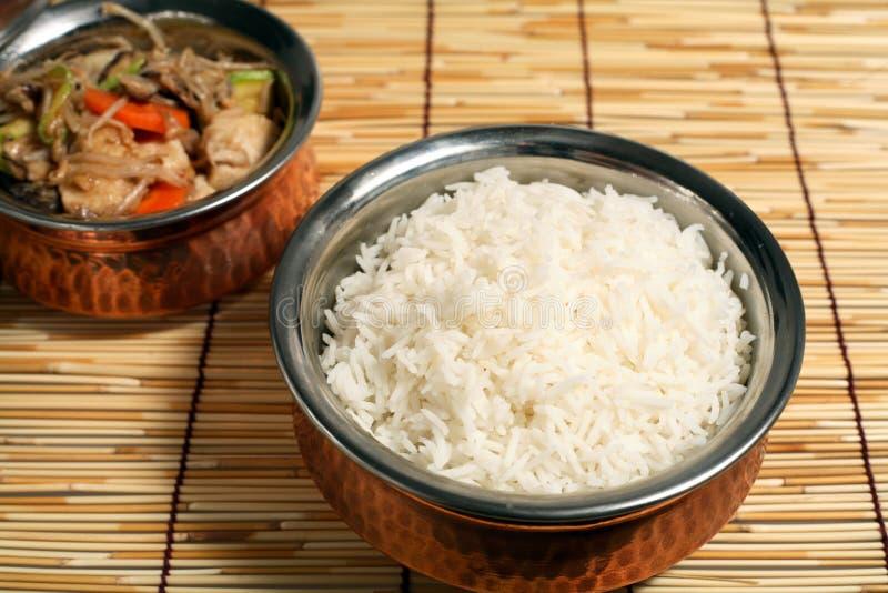 azjatykci frytki kurczaka poruszenie ryżu obraz royalty free