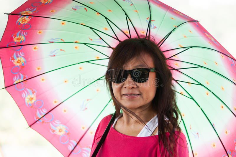 azjatykci kobieta portret z parasolem zdjęcie royalty free