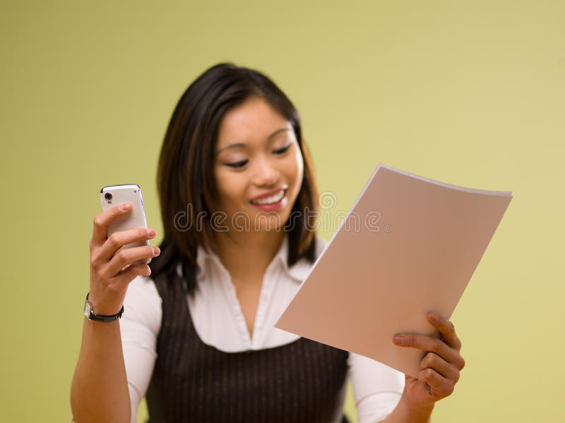 azjatykcich rachunków online target639_0_ kobieta fotografia stock