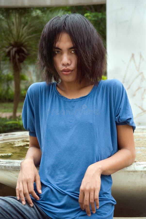 azjatykciego emo z włosami długi nastolatek zdjęcia stock