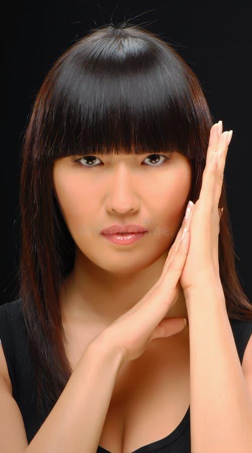 azjatykciego pięknego piękna elegancka strzału kobieta obraz stock