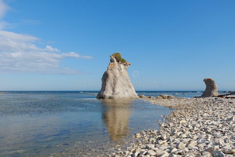 AZlele Nue de Mingan, Qubec,加拿大巨型独石  免版税库存照片